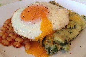Spinach potato bake with egg